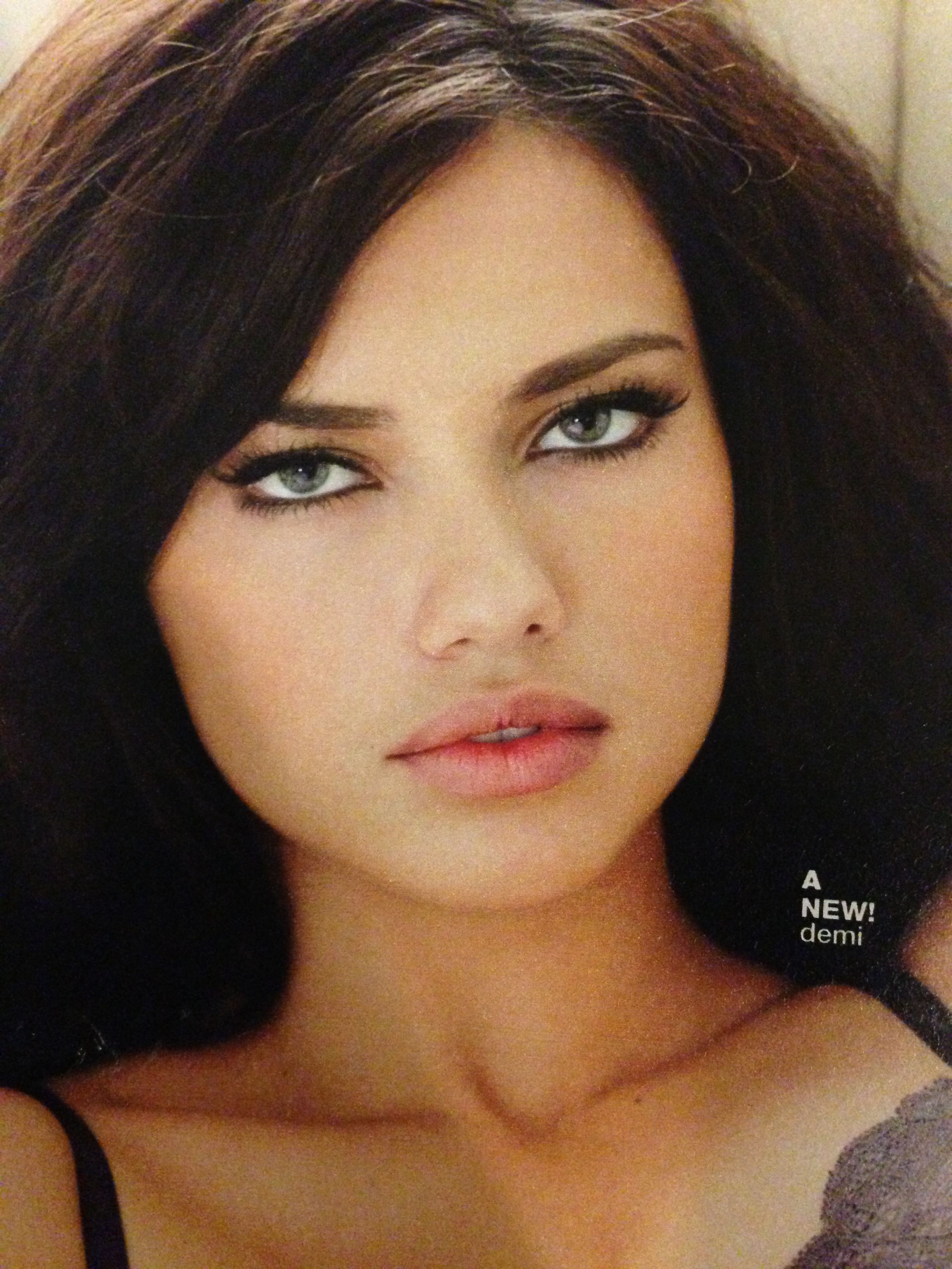 Victoria's Secret makeup. ♥ Perfect eyeliner. Adriana