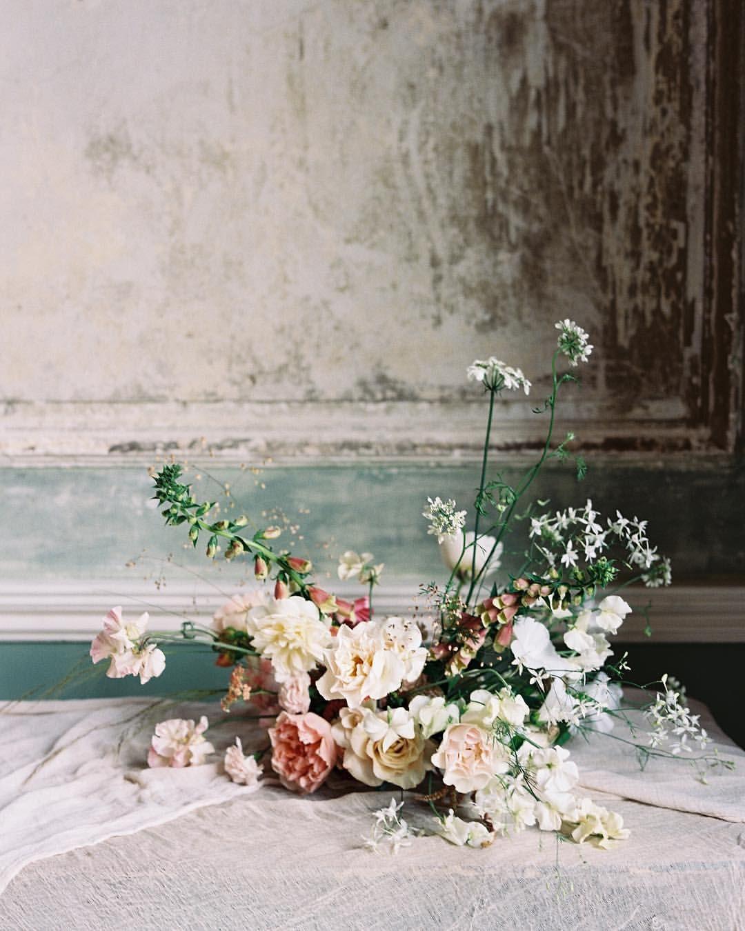 Pin von The Petaler auf Floral Arrangements   Pinterest   Blumen