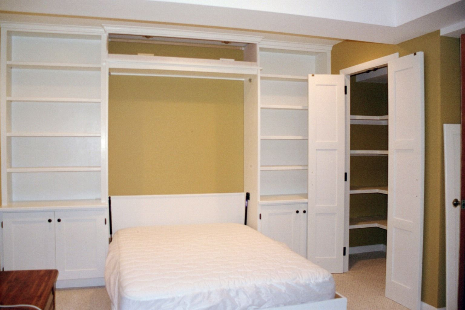 Best Murphy Bed With Cabinets In A Guest Craft Room Modern 400 x 300