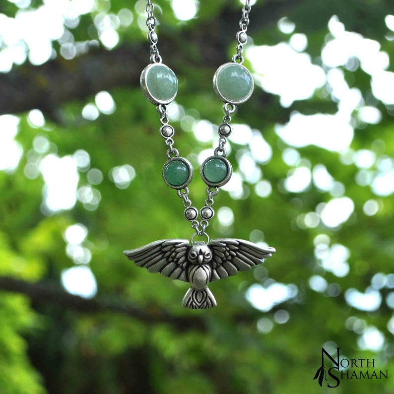 Collier chouette argent elfique pierre Aventurine verte , bijou animal fantastique magique féerique wiccah , The Owl of the Witch #greenwitchcraft Necklace The Owl of the Witch - Aventurine - green stone silver jewelry witch protection green witchcraft magic totem spirit animal elven aesthetic pixie - North Shaman #greenwitchcraft