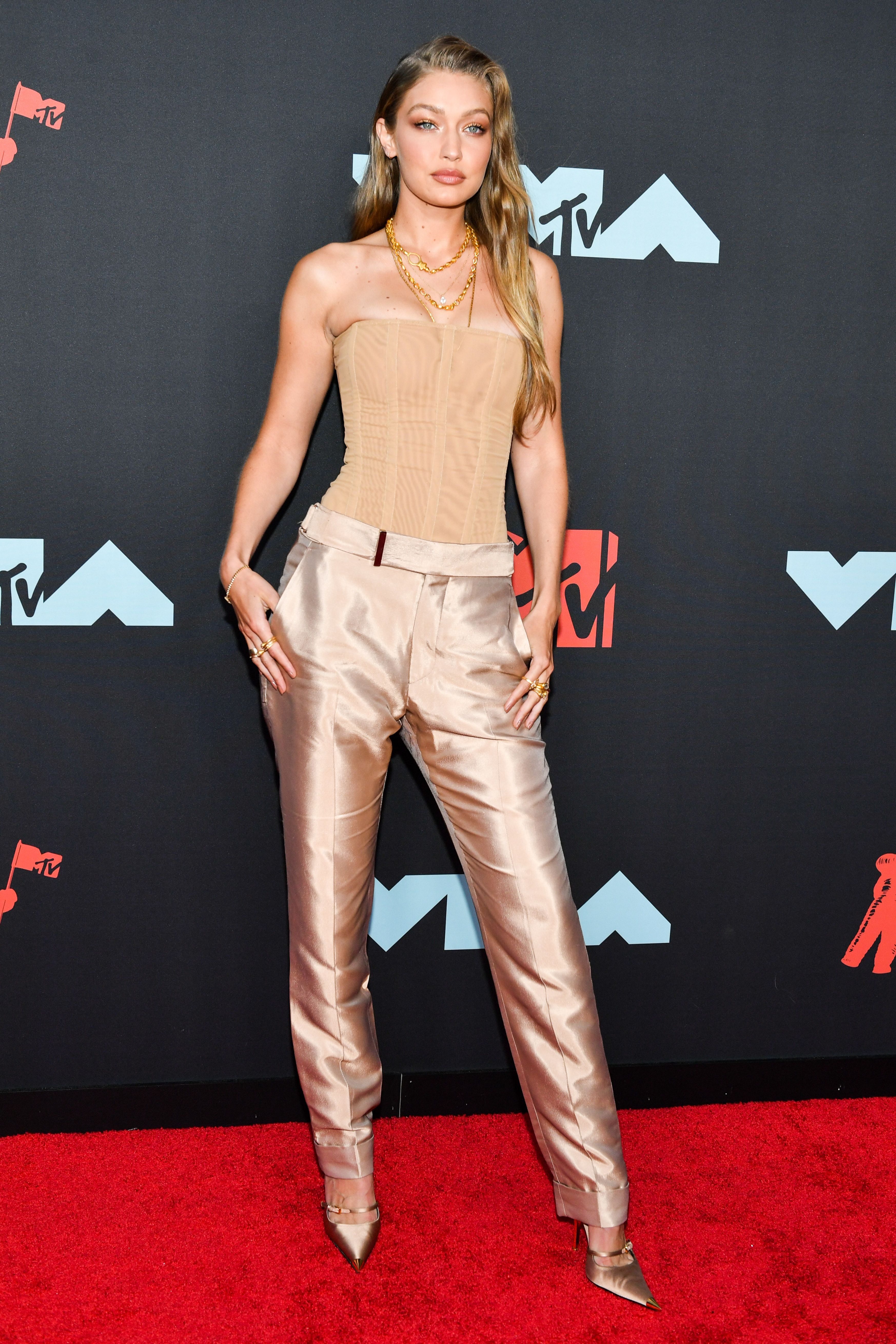 I Need The Best Dressed Celebrities From The 2019 Vmas Red Carpet To Punch Me In The Face Fashion Red Carpet Fashion Vmas Red Carpet [ 5239 x 3493 Pixel ]