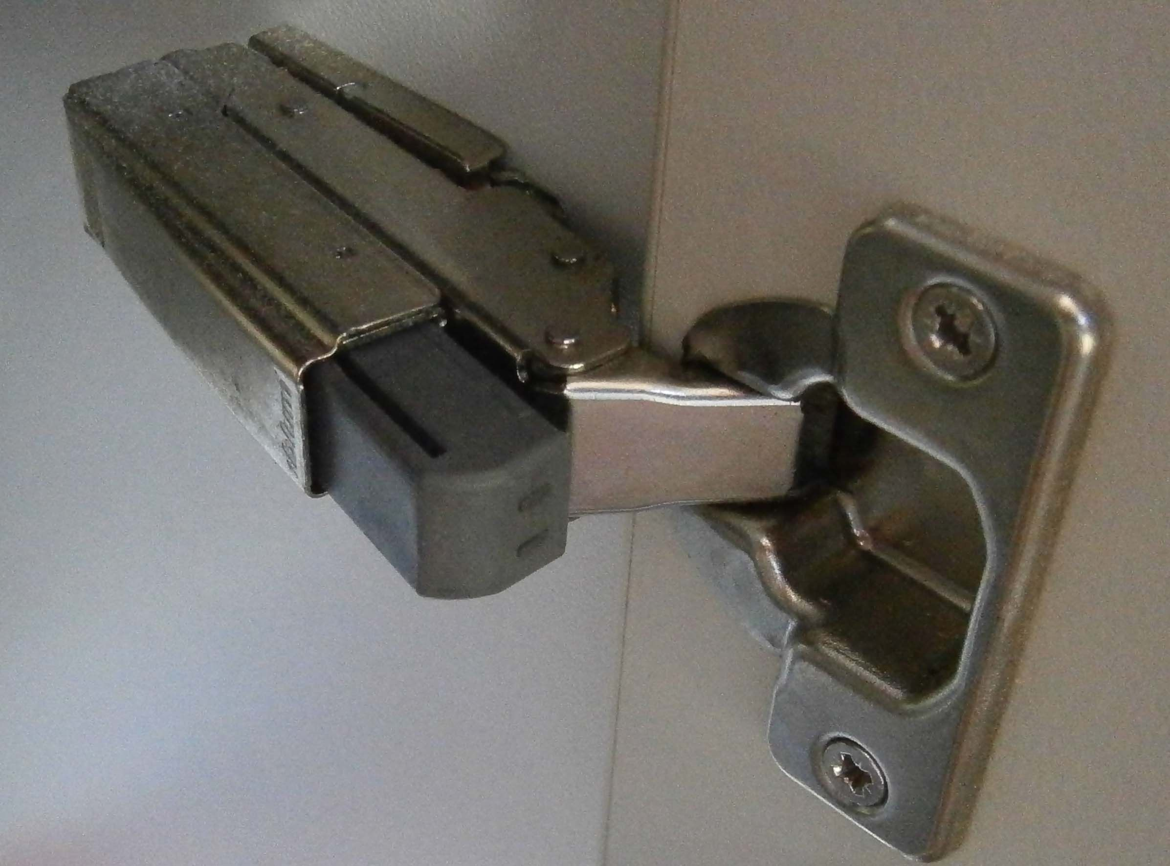 Blum Kitchen Cabinet Soft Door Closers | http://advice-tips.com ...