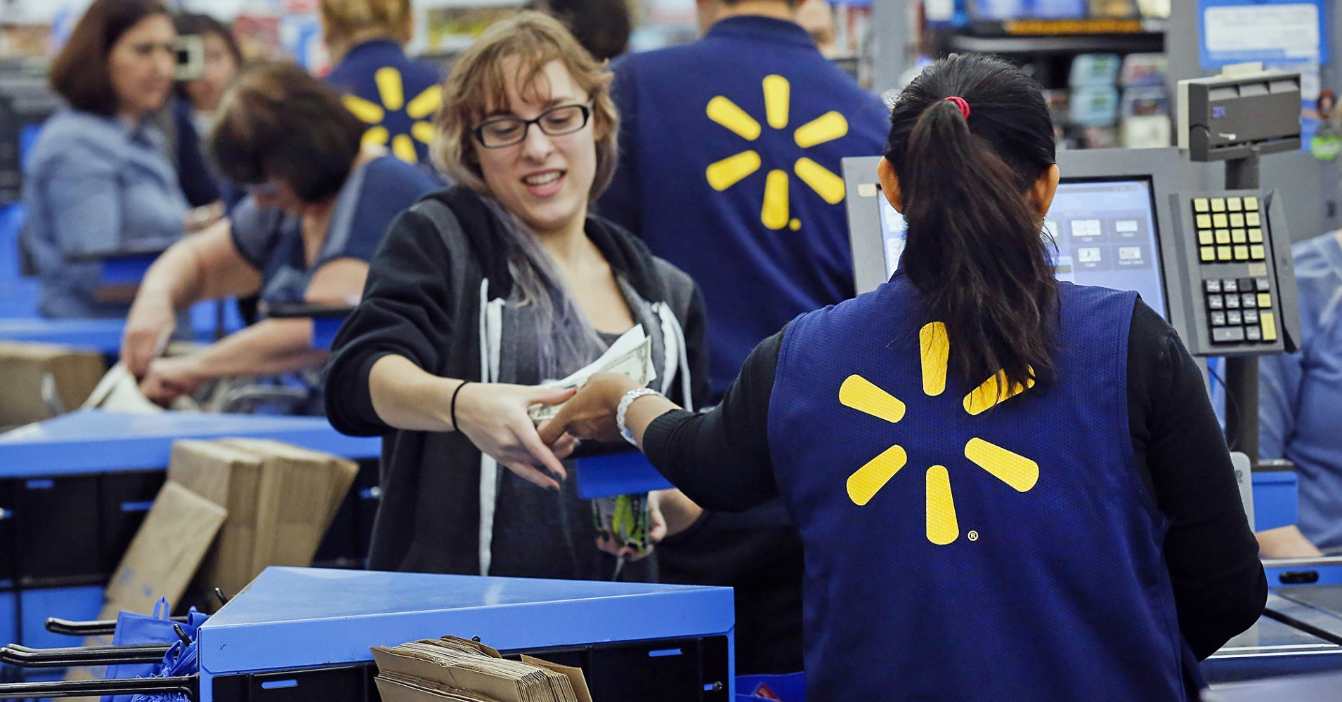Walmart shares soar 9 as earnings top expectations