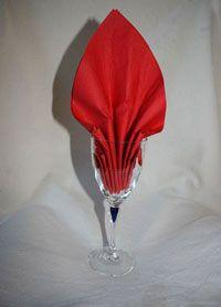 pliage de serviette dans les verres