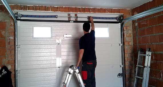 Http Www Thehandyboys Com Au Garage Doors Services Repairs Melbourne Html Garage Doors Garage Door Repair Door Repair
