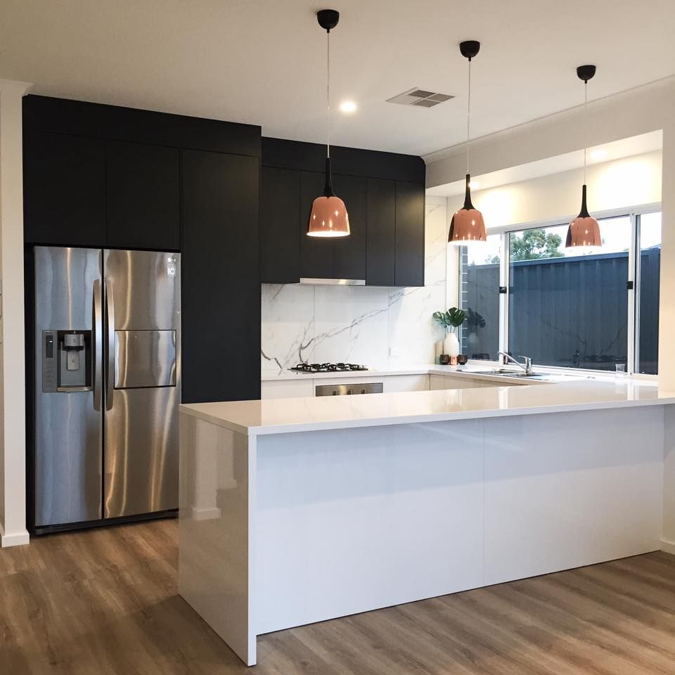 Etonnant Design By Eclectic. Contemporary Kitchen Design Using Adelaide Marble  Tiles, Laminex Charcoal Riven And