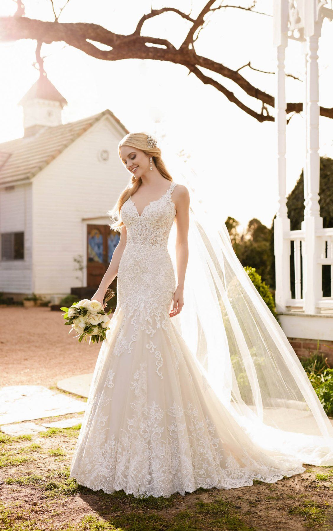 Wedding dress drawing  Wedding Dresses  Vintage weddings Wedding dress and Romantic