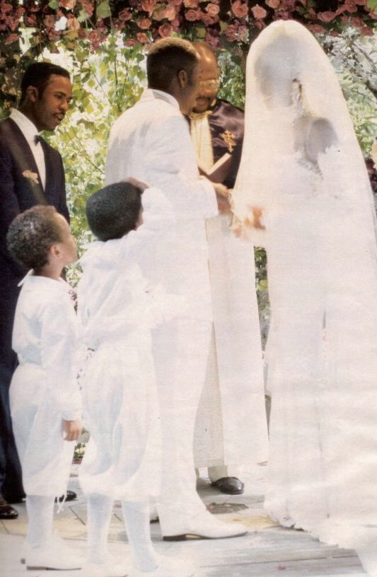 Celebrity Weddings Whitney Houston To Bobby Brown Used Pegeen