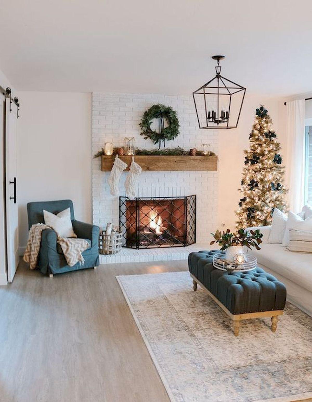 16 Beautiful Farmhouse Living Room Decor With Christmas Ideas