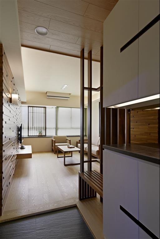 玄關櫃設計 Google 搜尋 廚房客廳隔間 Foyer Home Decor Shoe Cabinet