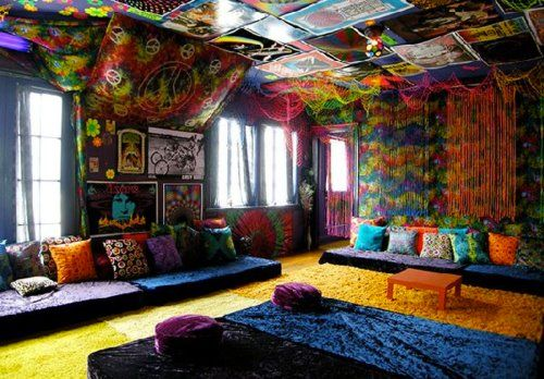 Pin By Teresa Peralta On Dream Home Chill Room Hippie Living Room Hippie House