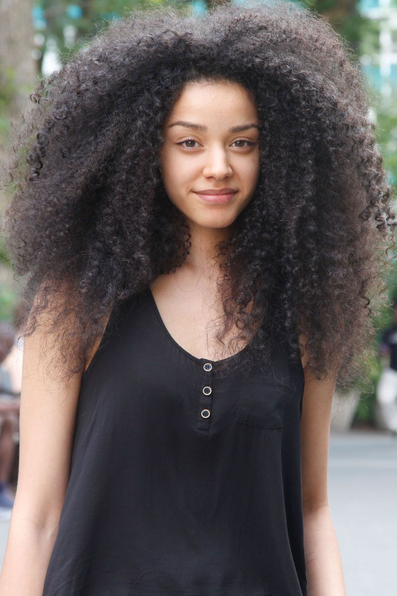 Street Chic New York Beauty Curly Hair Styles Big Hair Curly Hair Styles Naturally