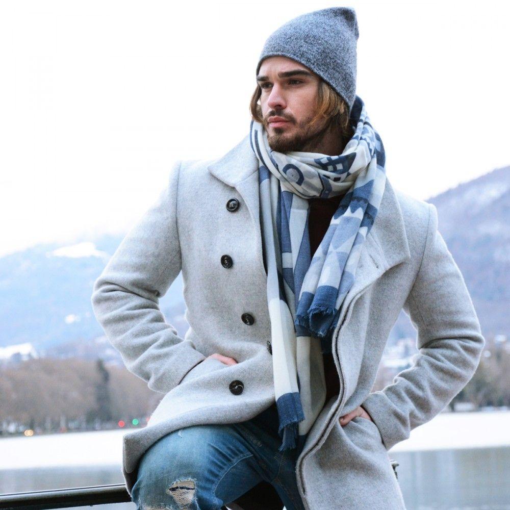 883ccd6c2670 Umea le foulard and voile de laine imprimé aux motifs scandinaves dans les  bleus et gris
