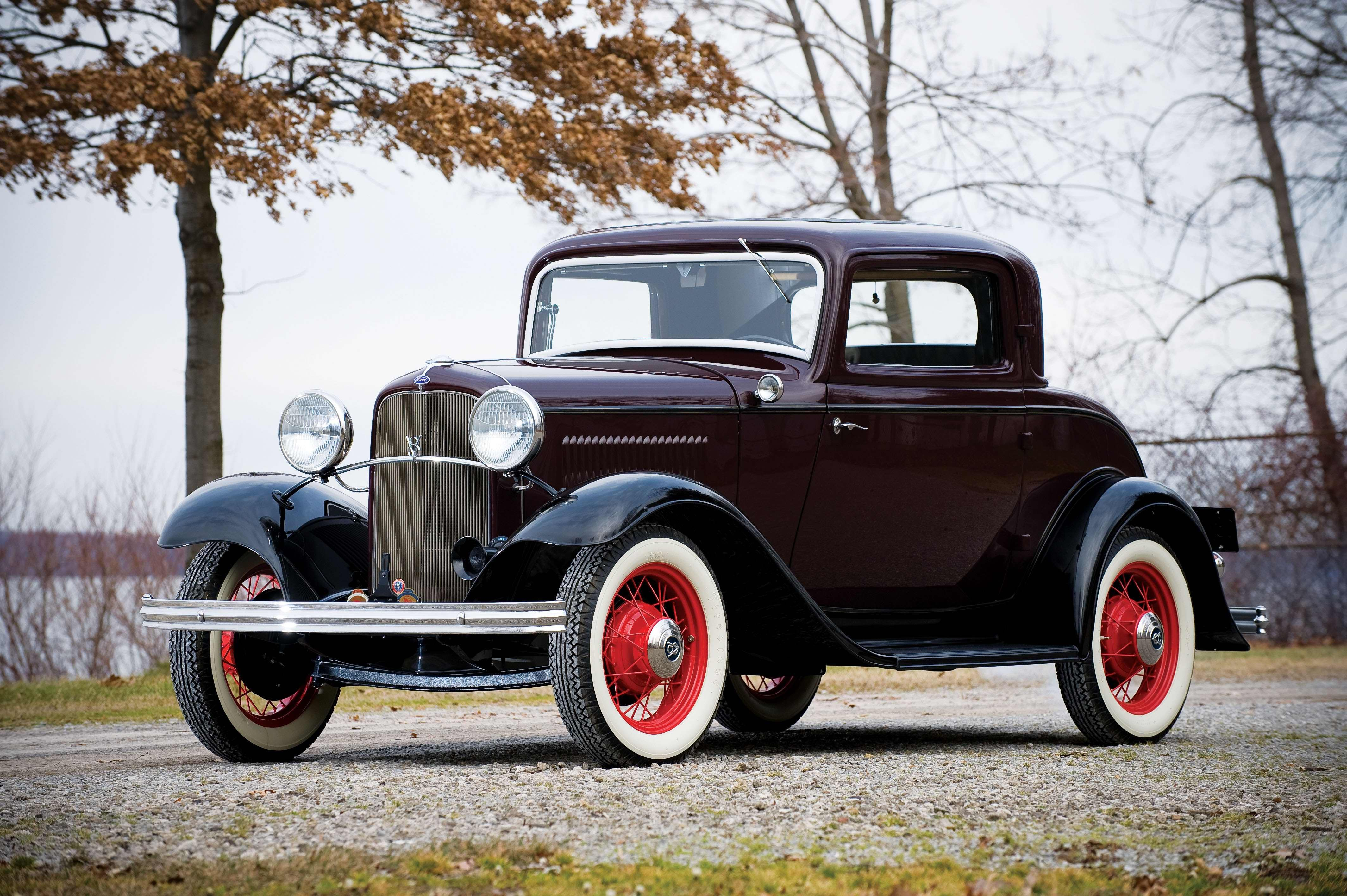 1932 ford model 18 deluxe