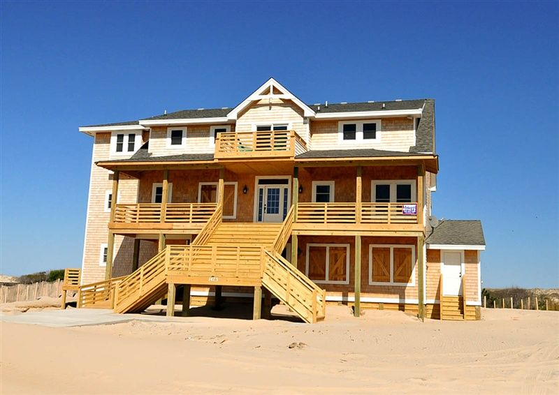 Twiddy Outer Banks Vacation Home - All the King's Horses - 4x4 - Oceanfront - 8 Bedrooms http://www.twiddy.com/homes/4x4/ocean-beach/all-the-kings-horses.aspx