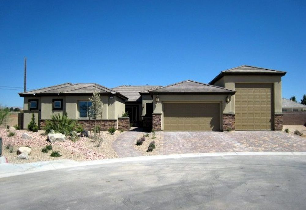 Las vegas new homes 1 2 acre 1 story red rock floorplan for Las vegas stone yards