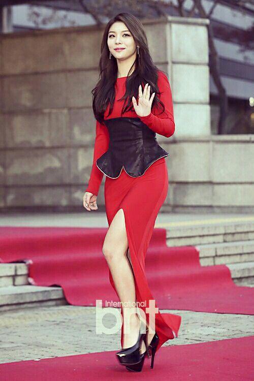Dispatch Snaps Photos Of T-ara Jiyeons Sexy New Hobby