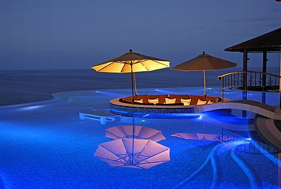 Infinity pool will be a nessesssaty ocean view optional for Pool design usa