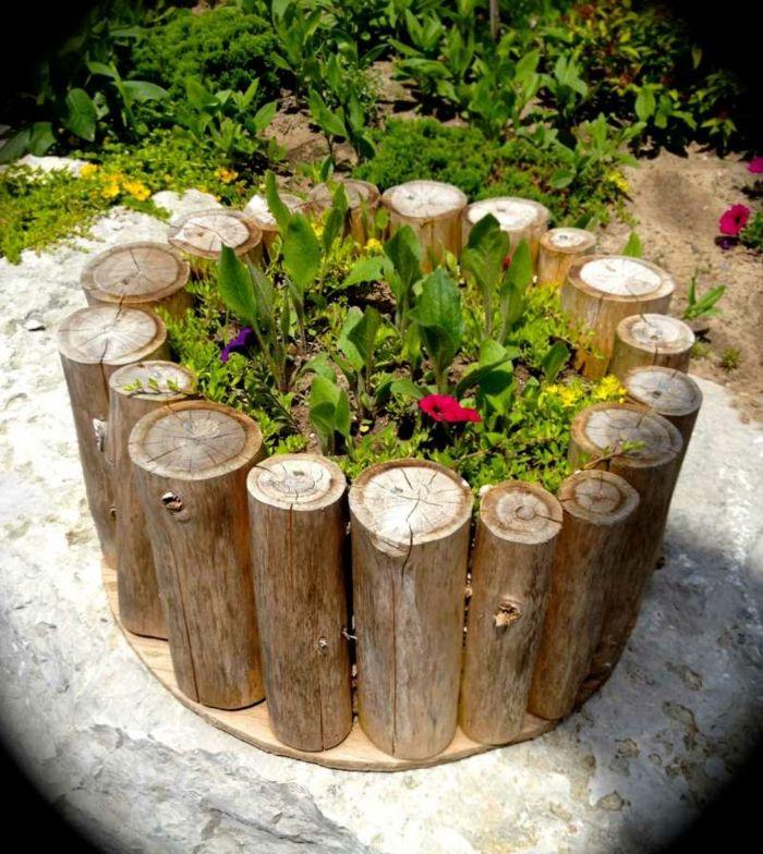 Mini Blumentopfe Aus Holz Design Moglichkeiten Design Ideen Holz Gestaltung Als Blumentopf Grune Pfl Unique Garden Decor Unique Gardens Diy Container Gardening