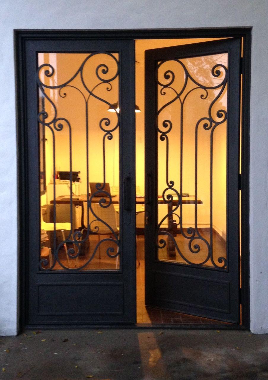 Codigo 1804 Modelo California Delhierrodesign Argentina Puertas Herreria Pintura Fachadas De Casas Puertas De Hierro Forjado