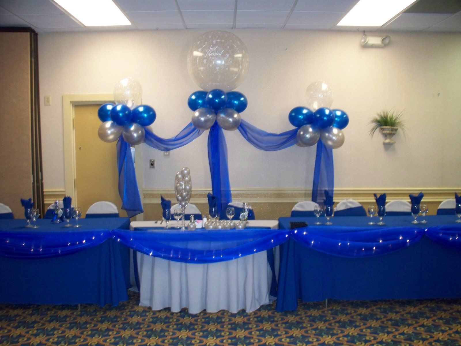 royal blue and white wedding decorations royal and silver wedding table jpg manualidades 7151