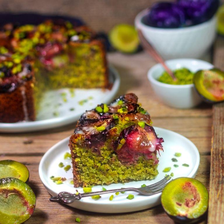 Photo of Plum Pistachio Cake (vegan) – Kitchenfae