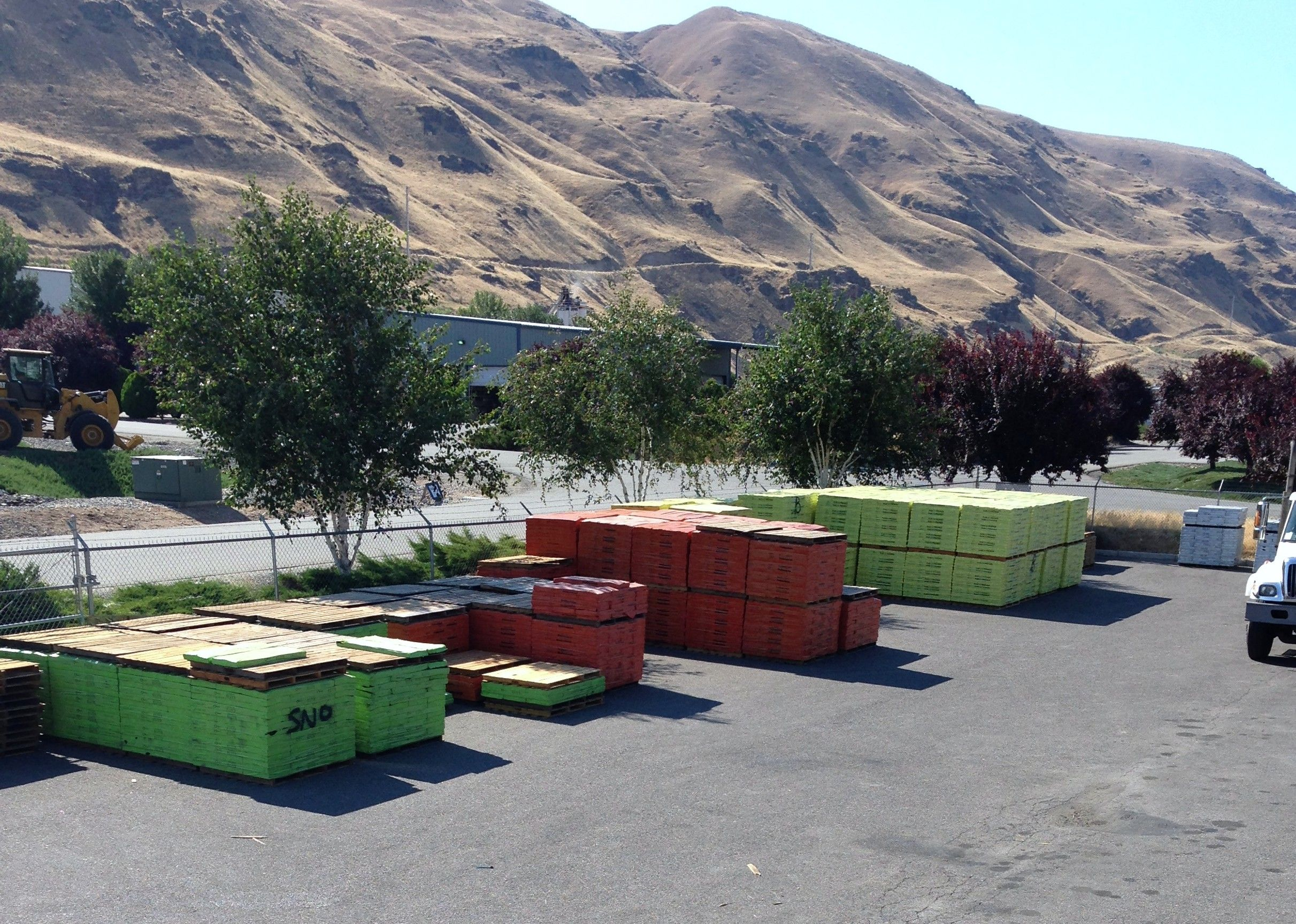 A Colorful Display Of Pabco Roofing Shingles We Are Located At 5534 Baker Flats Road In East Wenatchee Call Us At 509 Home Improvement Windows