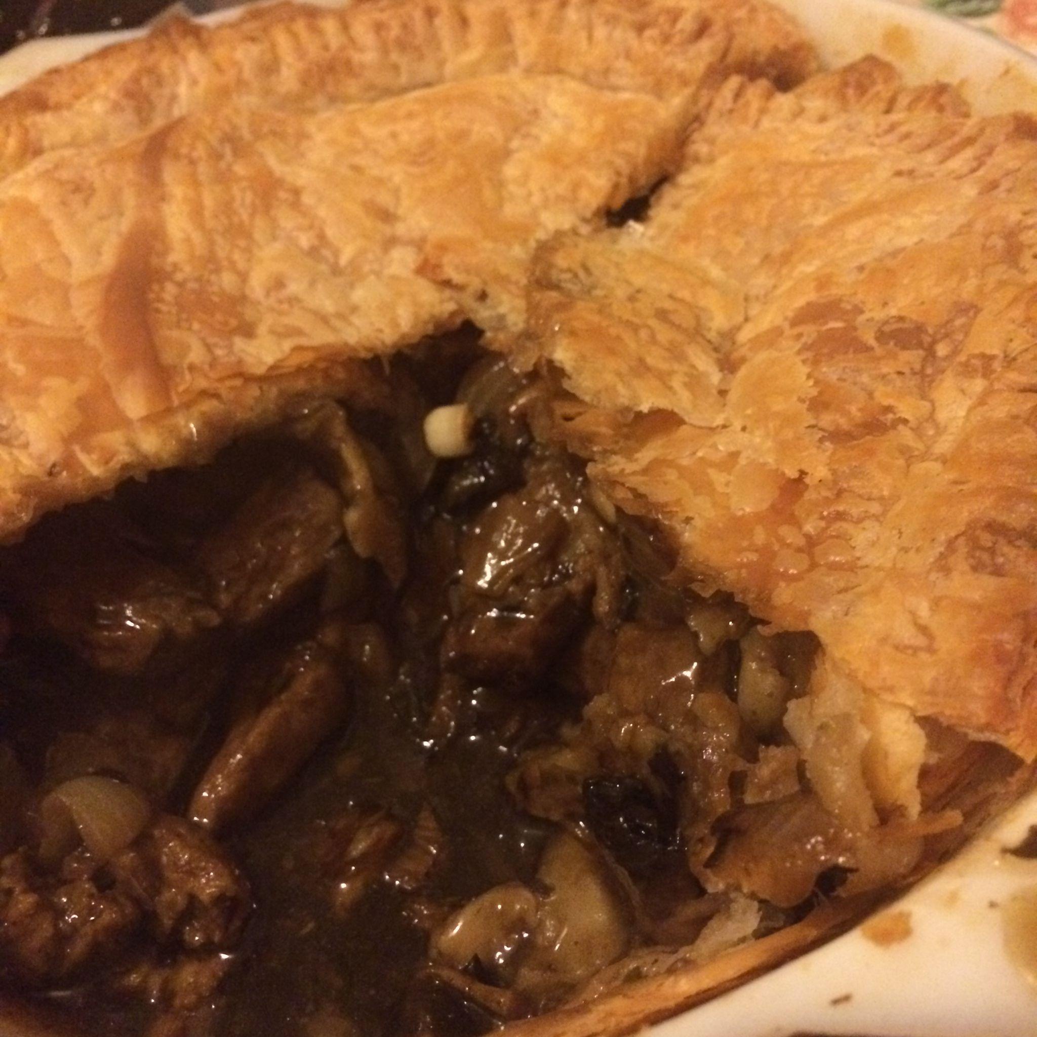 Steak-less and ale pie | Steak, ale, Ale pie, Vegan pies ...