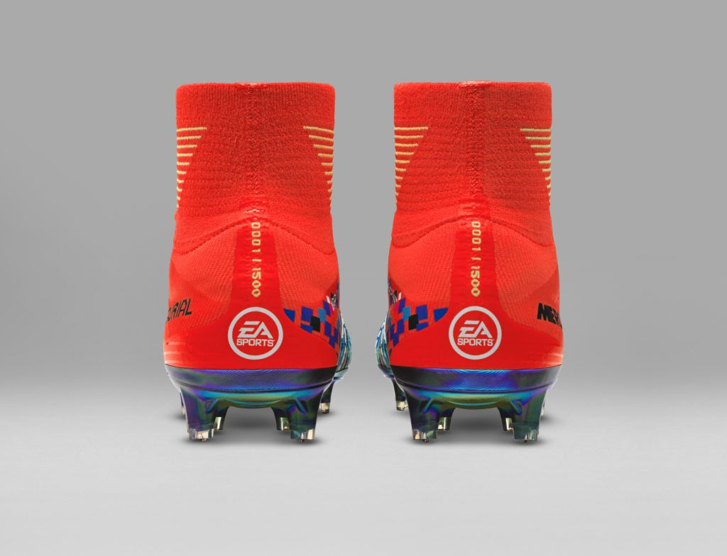 newest 8a839 b2945 Nike Football X EA Sports Mercurial Superfly FG Cramoisi total Chaussure  Nike Pas cher De football à crampons pour terrain sec pour Homme Orange