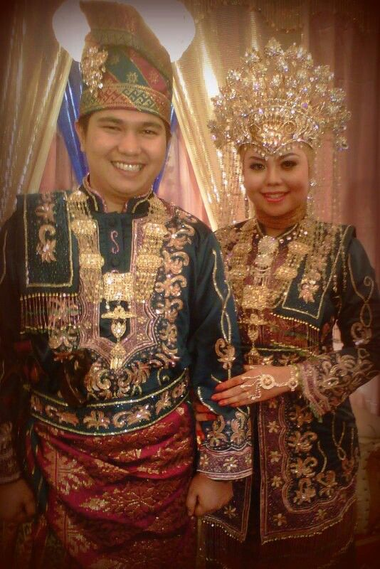 Baju Adat Melayu Riau