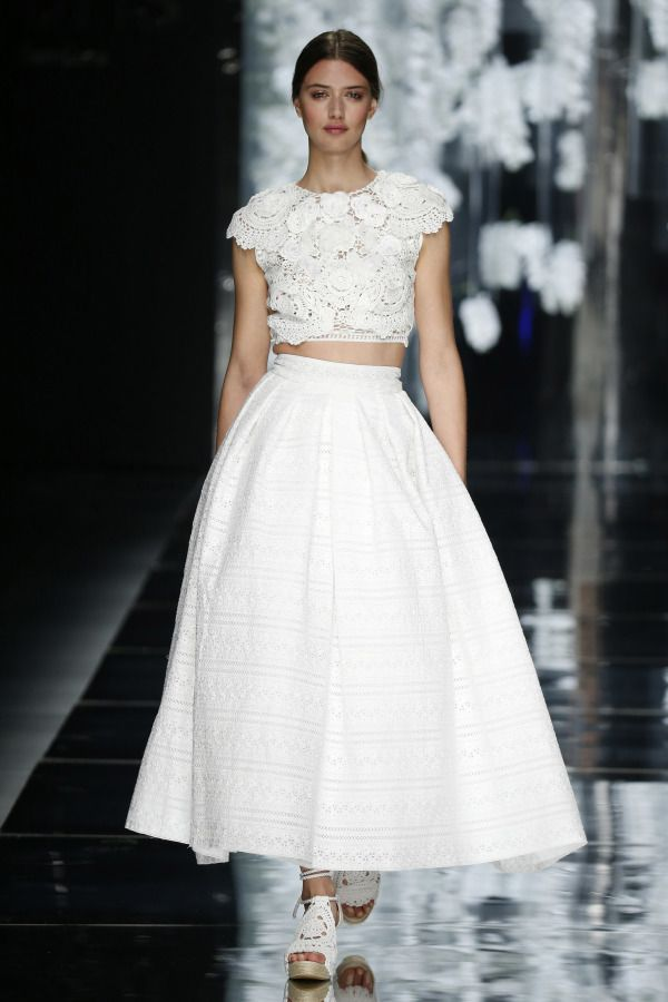 Eyelet and lace cropped combo from Yolan Cris