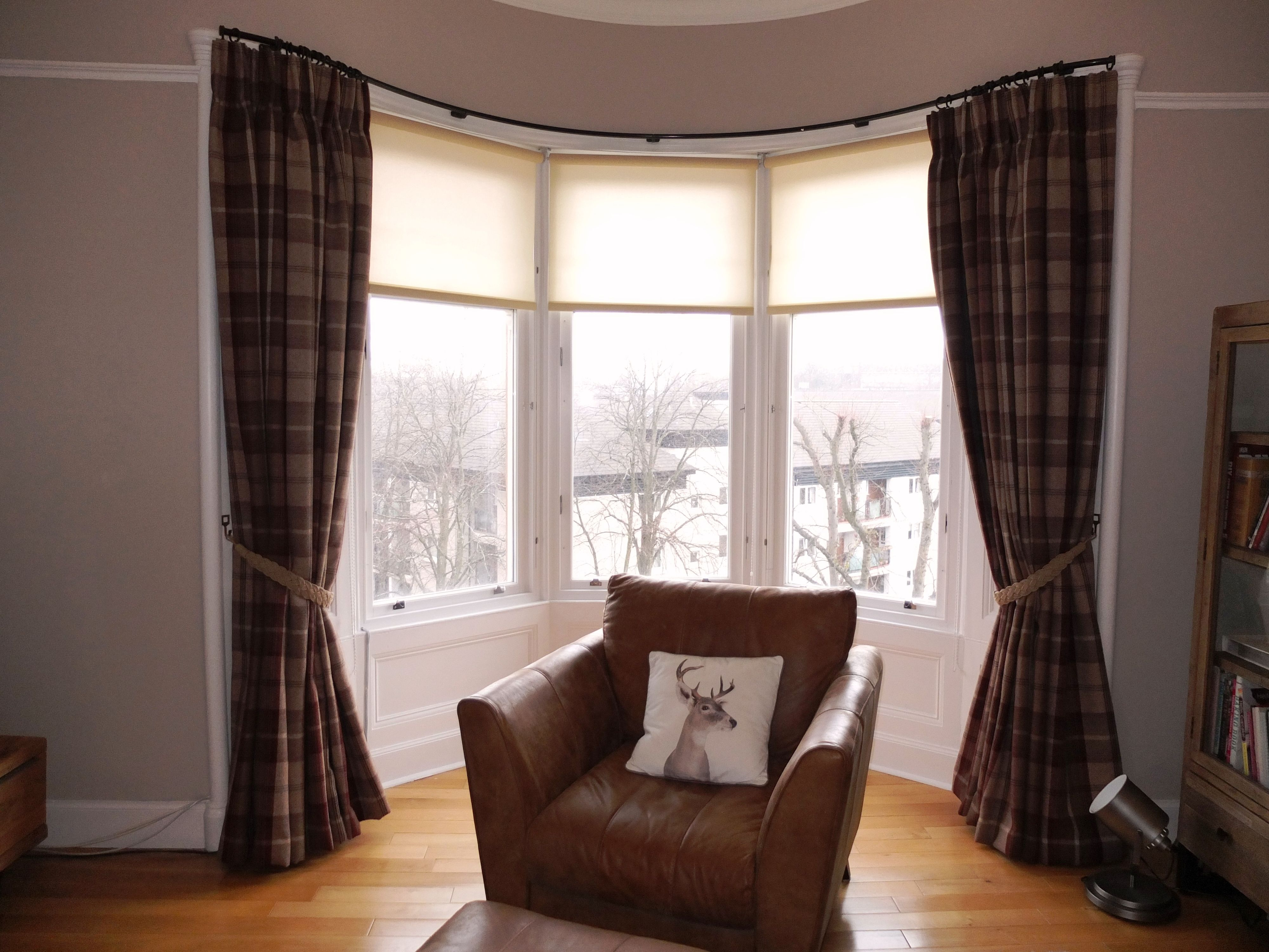 Bay window curtains with 6