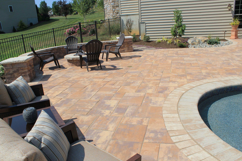 Alpine Ridge | Caramel Tan | Backyard Living | Nicolock