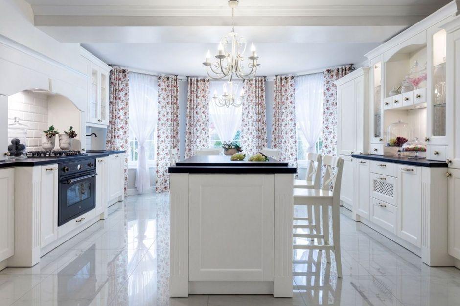 Klasyczna Kuchnia W Stylu Prowansalskim Home Decor Home Decor