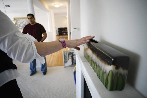 Chicago Home Staging selling a vacant unfurnished home is challenging in today s