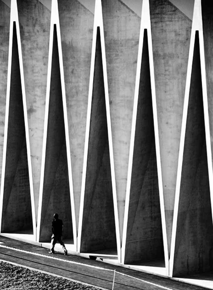 Row of Isosceles triangles  | ARCH | Concrete architecture