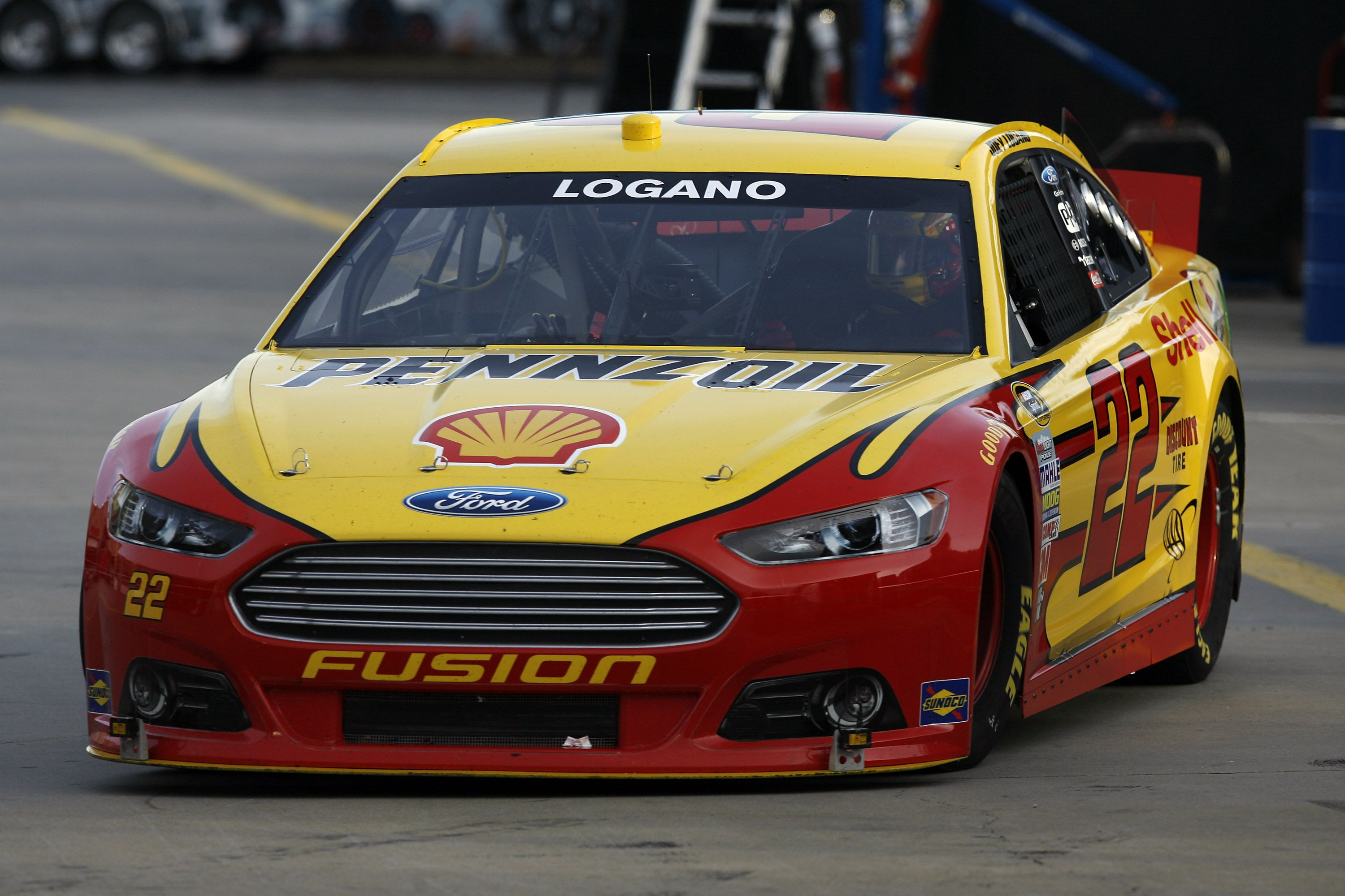 22 joey logano shell pennzoil ford fusion