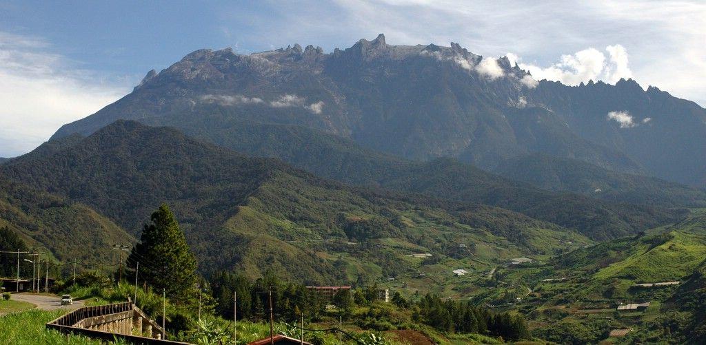 * Monte Kinabalu * Bornéu, Malásia. – Wikipédia, a enciclopédia livre