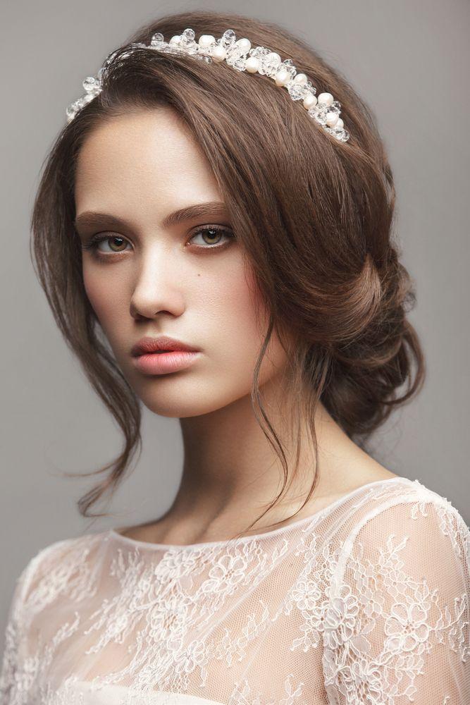 una tiara para un look muy elegante | { peinados } | pinterest