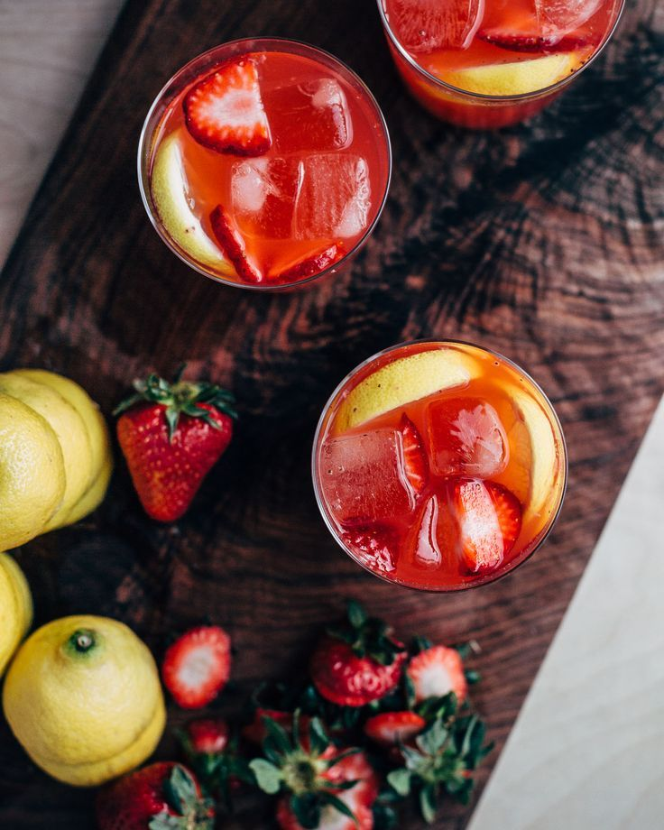 ginger and roasted strawberry lemonade // brooklyn supper