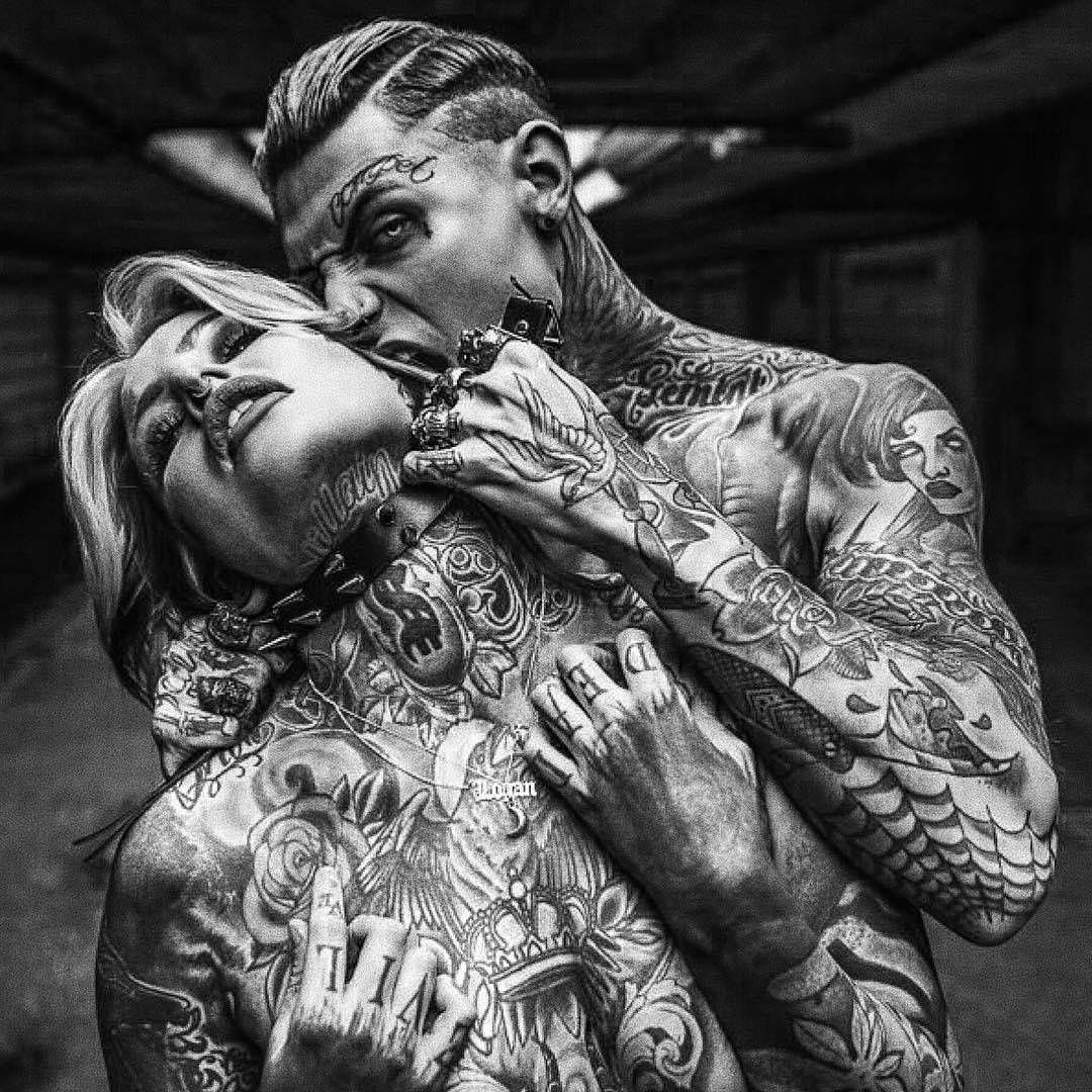 настоятельно влюбилась в татуировщика дааааавно, помню сюжету