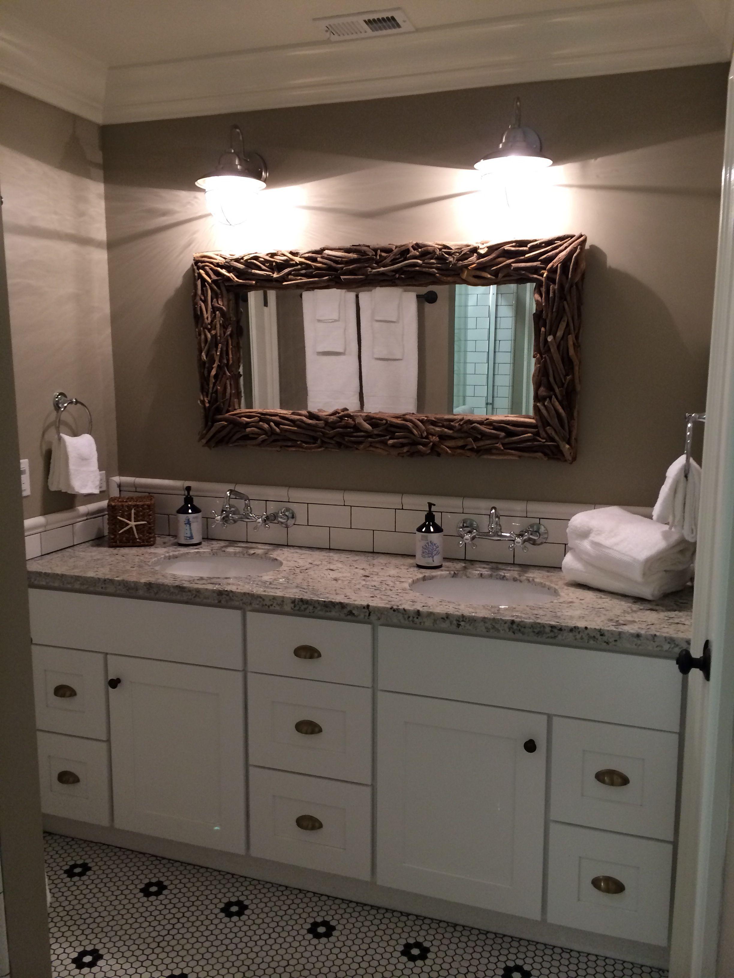 Beach House Jack N Jill Bathroom Remodel Vrbo 563501