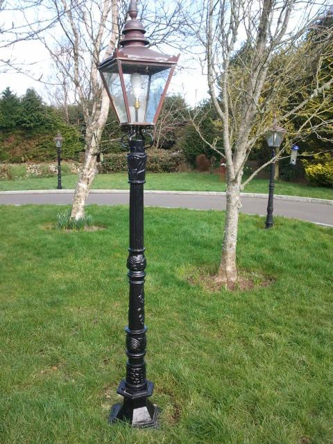 cast iron lamp posts to line the driveway