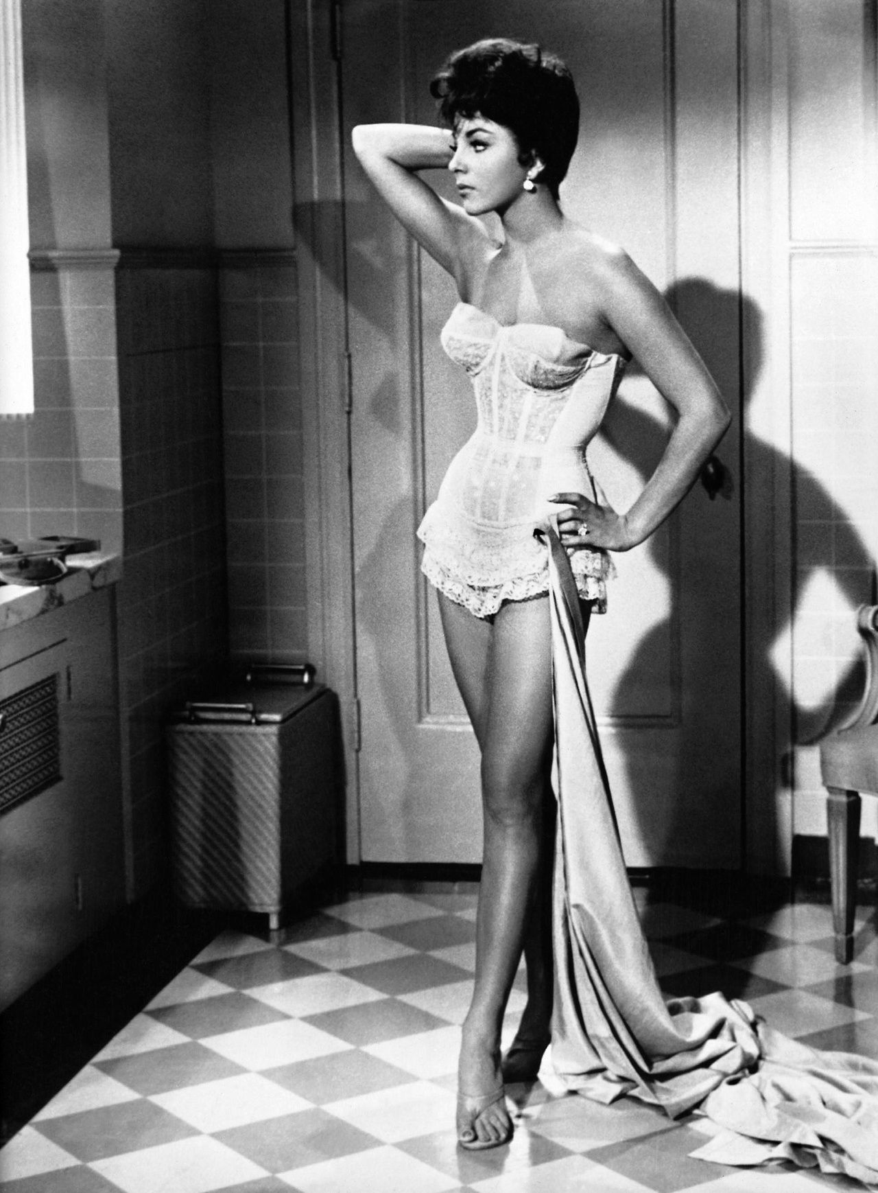 Joan collins sexy and sinful