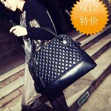 Nové 2014 Ženy kožené kabelky ženy taška cez rameno pre ženy klasická brašňa kockované taška Bolsas Franja čierne kožené tašky (Čína (pevninská časť))