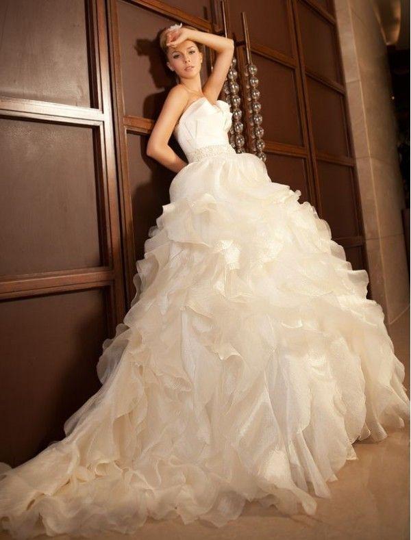 Spectacular Taffeta Strapless Neckline Ball gown Wedding Dress with Lavish Ruffle Skirt Bridal Gowns goodcheapweddingdress