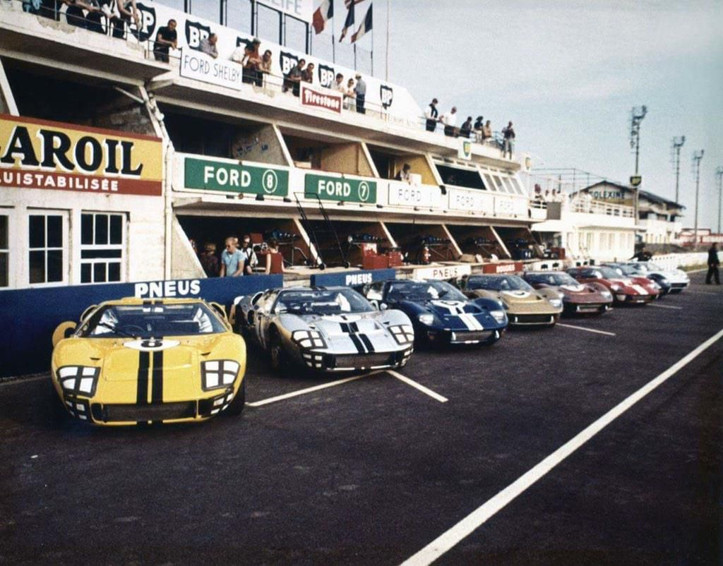 Gt40s Line Up For 24 Hours Of Lemans 1966 Sir John Whitmore