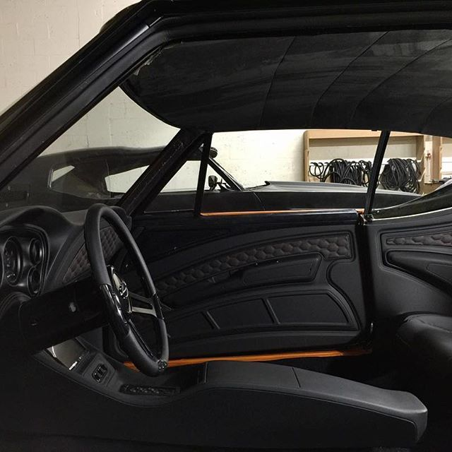 Get A Hassle Free Browsing Experience Of Instagram Contents From Your Friends Respected Personalities A Camaro Interior Modern Muscle Cars Car Interior Design