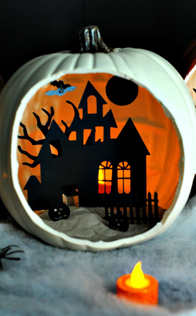18 Pumpkin Dioramas That Will *Slay* Your Halloween Decor #dioramaideas