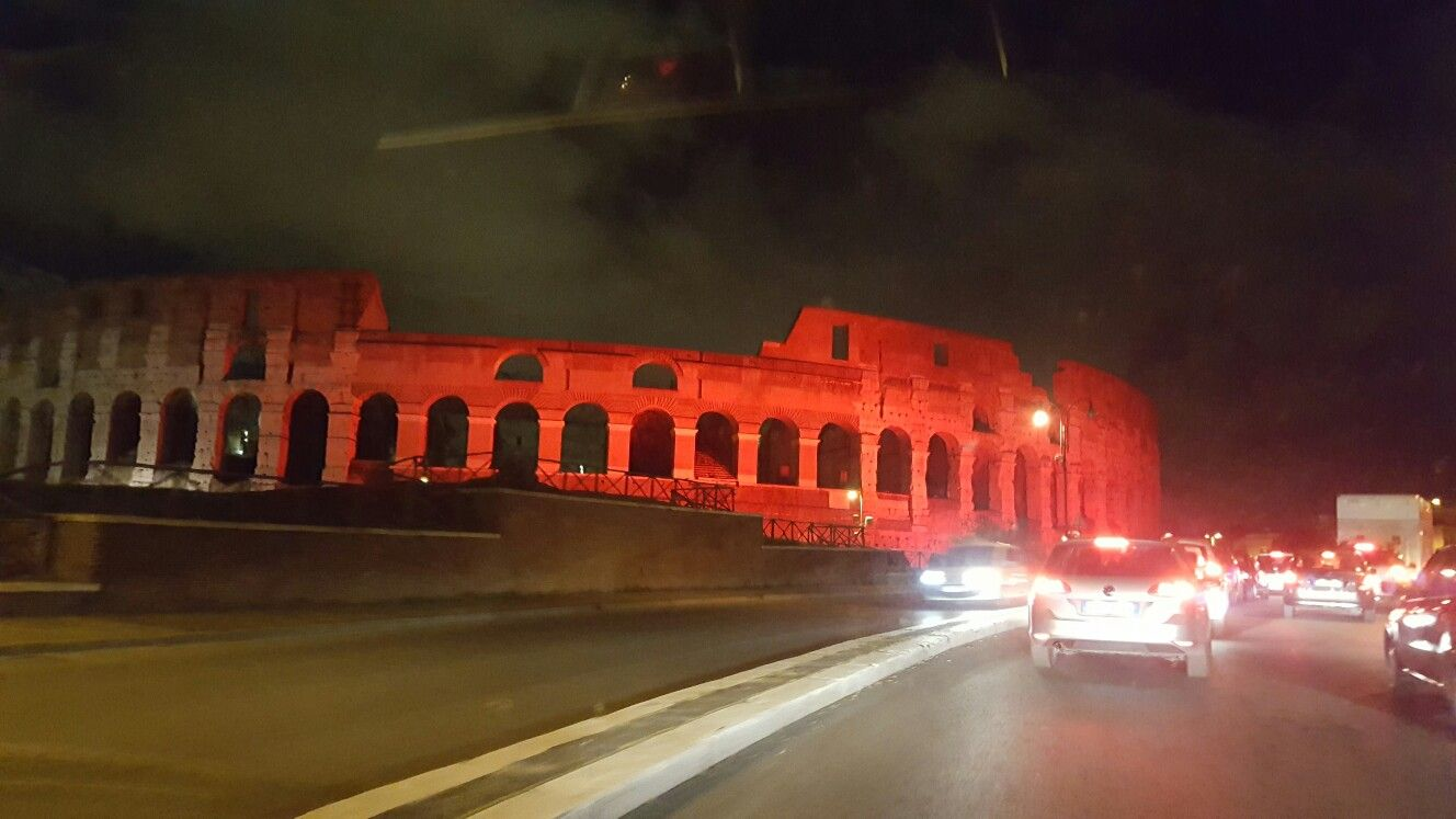 Roma, Colosseo by night